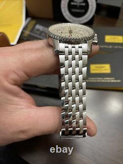 Breitling Navitimer World Silver A2432212 46mm 2018 Chronograph/GMT FULL SET